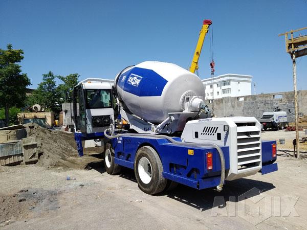 Aimix Concrete Trailer Pump & Self Loading Concrete Mixer In Uzbekistan